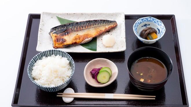 和食処 ひよけ家 - メイン写真: