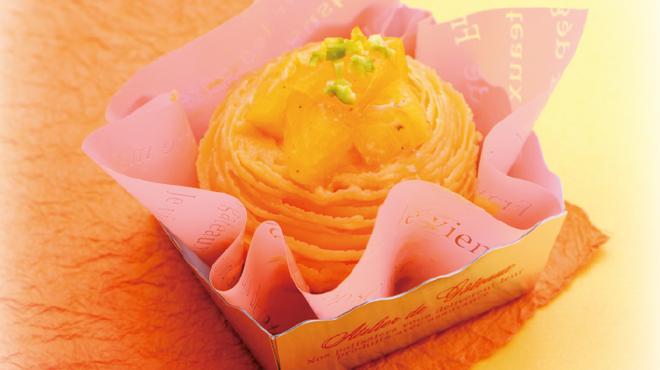 三陸菓匠さいとう - 料理写真:柿のモンブラン