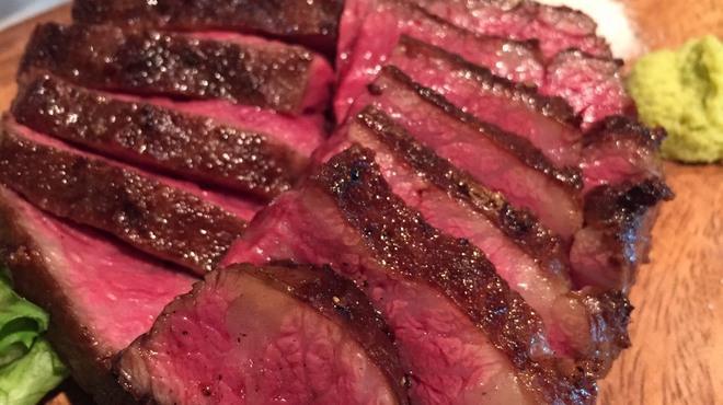 炭焼ごちそう肉バル ぴたり - メイン写真: