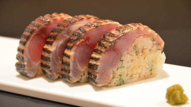 日本酒とお刺身 秋丸 - 料理写真:名物サバの棒鮨