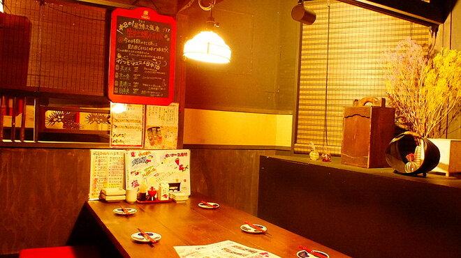 牡蠣と燻屋 かつを - メイン写真: