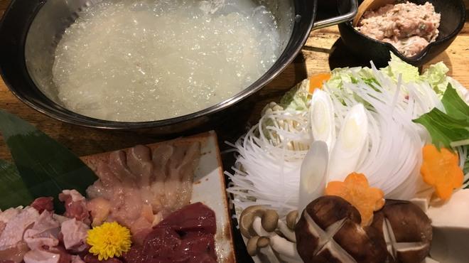 地酒蔵大阪 - 料理写真:大和肉鶏コラーゲン水炊き
