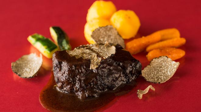 リストランテ・オステリア - 料理写真:牛ホホ肉のピエモンテ風バローロ煮込み