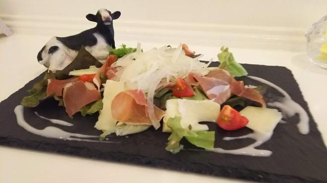 DainingRocco - 料理写真:生ハムの盛り合わせ