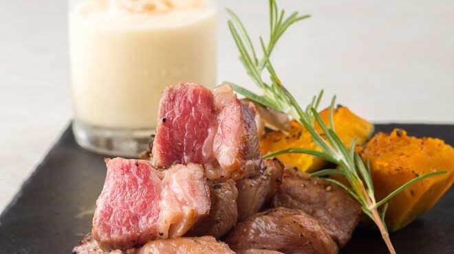 舶来屋黒船 - 料理写真:信州プレミアム牛のバラ肉サイコロステーキ