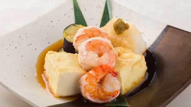 舶来屋黒船 - 料理写真:ぷりぷり海老とおぼろ豆腐の揚げ出し