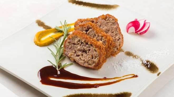 舶来屋黒船 - 料理写真:オレイン豚100%メンチカツ