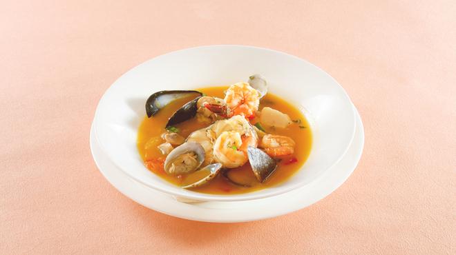 小倉 匠のパスタ ラ・パペリーナ - 料理写真:イタリア版ブイヤベース