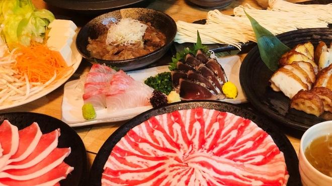 鹿児島黒豚しゃぶしゃぶ あじと - 料理写真:飲み放題付き¥5000コース