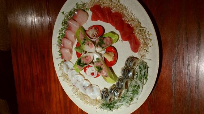 日本酒ダイニング 吉之助 - 料理写真:贅沢お造り盛り