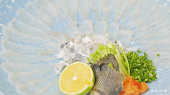 わらびの里 - 料理写真:見た目も美しい『ふぐ刺し』
