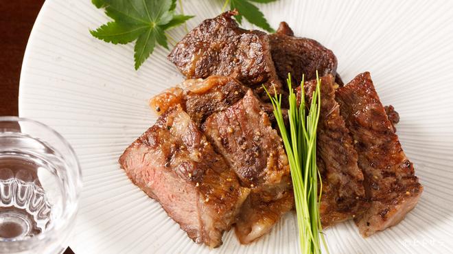 日本酒専門店 萬亮 - 料理写真:和牛ステーキ