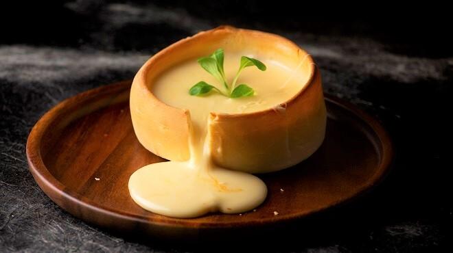 肉 チーズ まほろバル - メイン写真: