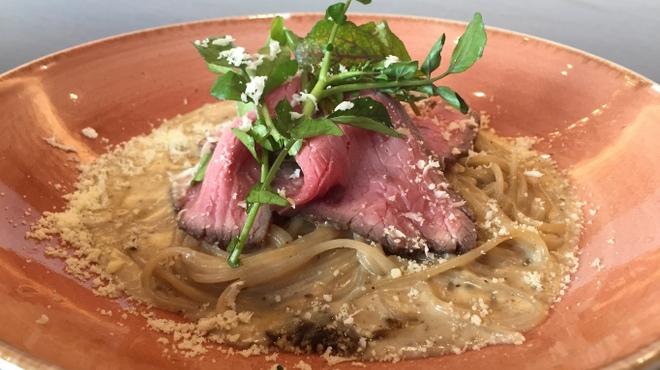 RESTAURANT GENMAI GENKIDO - 料理写真:[玄米パスタ]ローストビーフのクリームソース
