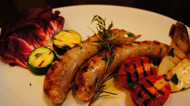 オステリア アルコバレーノ - 料理写真:自家製サルシッチャのグリル