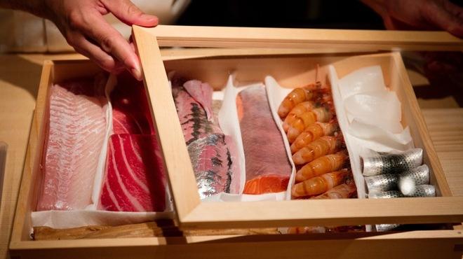 eat azabujuban - メイン写真: