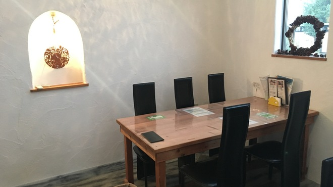 とら吉 - 内観写真:個室風の席もございます。