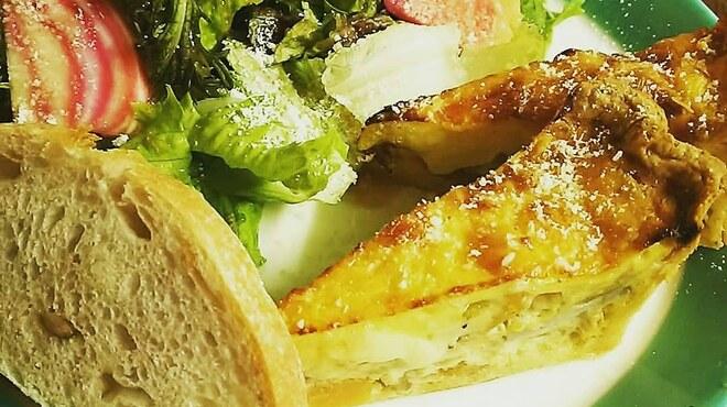 ラムカーナ - 料理写真:キッシュプレートランチ