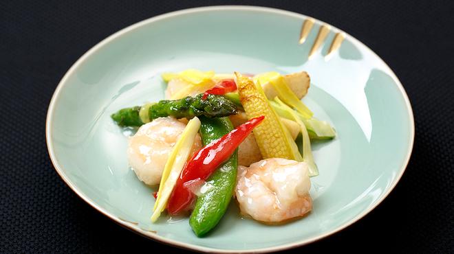 メゾン・ド・ユーロン - 料理写真:海老と季節野菜の岩塩炒め