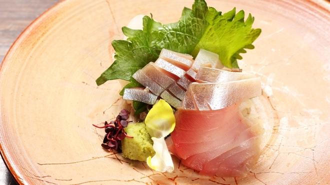 よなよな - 料理写真:しめ鯖