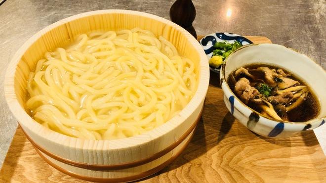 のぉてぃ 和飲 - 料理写真:肉汁たらいうどん