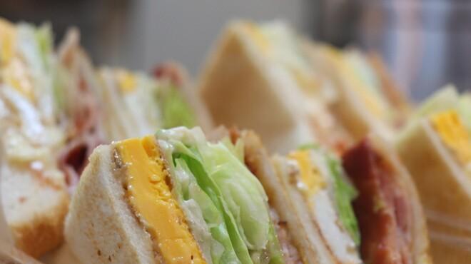 佐世保バーガー BigMan - 料理写真:常連のお客様にも人気!アメリカンサンド