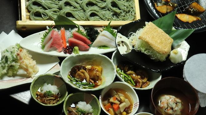 へぎそば匠 - 料理写真:季節の食材や、郷土料理を含んだ新年会コース