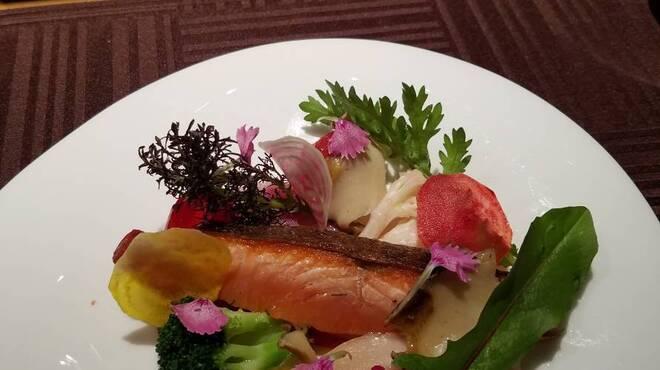 Cuisine francaise TAVEL - メイン写真: