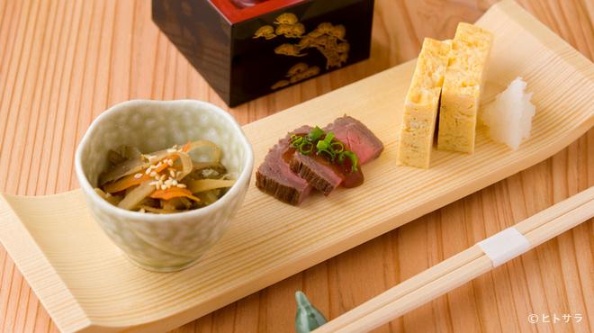 旬彩和膳 左がわ - 料理写真:「今日は何?」訪れる度に楽しみな『お通し』