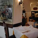 オ・プレチェネッラ - 店内はイタリア