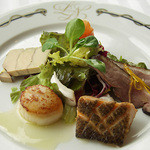 パノラミックレストラン ル・ノルマンディ - 熟練シェフによるオーソドックスなフレンチ