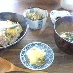 古民家食堂ごんばち - ほうとうと豚丼のセット。お勧め。