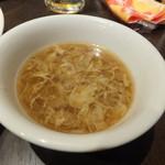 老李 - 炒飯に付属のスープ