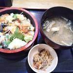 Sushisakabasushiichi - ばらちらし丼 800円(税込)(2019年1月8日撮影)