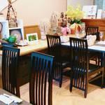 創作日本料理 とものえ亭 - テーブル席