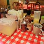 オムライス&スパゲティーのパンチョ - オムライスとスパゲッティのパンチョ 渋谷2号店 テーブルユース調味料・カトラリーなど
