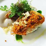 ブルガリ イル カフェ - 鯛のグリエ。茸、ひよこ豆のソース、香草添え。