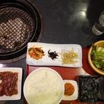 炭火焼肉 明翠園 - 国産牛セット Bランチ(ロース)1,350円