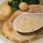らぁめん 生姜は文化。 - タップリすった生姜と透き通ったスープがとっても美味しそう♡