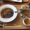 ナラビ - 料理写真:牛肉カレー全景