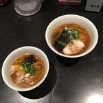 100016583 - 上が醤油らぁ麺、下がミニ醤油らぁ麺('19/01/13)