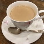 コーヒーハウス マキ - カフェ・オ・レ(450円 税込)評価=△ 優しい味わい