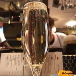 煮こみ屋   チョウチン - Champagne