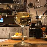 煮こみ屋   チョウチン - Sauvignon blanc