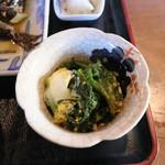 茶房 たんぽぽ - ホウレンソウの卵とじの小鉢