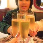 丸山亭 - 乾杯!大人はシャンパン、息子はノンアルコール