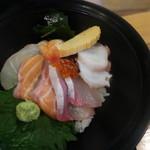 100030964 - 海鮮丼