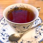 100031490 - セットの紅茶。