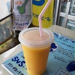 花花 - ドリンク写真:スペシャル生ジュース(マンゴーとパイン)
