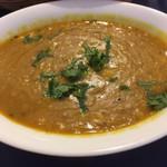 マディナ ハラル レストラン - 豆カレーのアップ